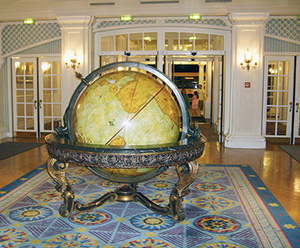 newport-bay-club-reception-globe